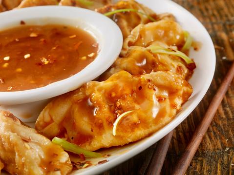 Chinese Dumpling「Dumplings With Sweet and Sour Sauce」:スマホ壁紙(1)