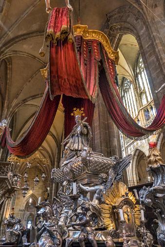 St Vitus's Cathedral「Interior of St Vitus Cathedral, Prague」:スマホ壁紙(14)