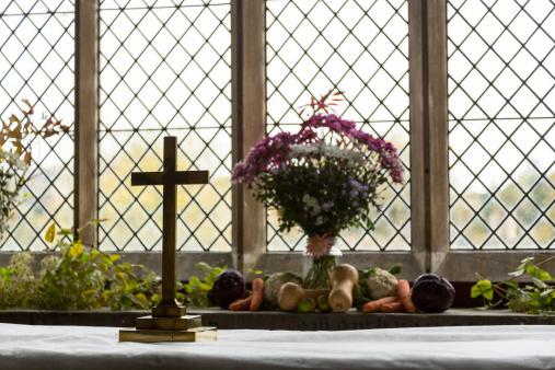 Harvest Festival「Interior of St Mary Church Swinbrook」:スマホ壁紙(10)