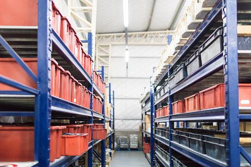 Rack「Interior of industrial warehouse」:スマホ壁紙(7)
