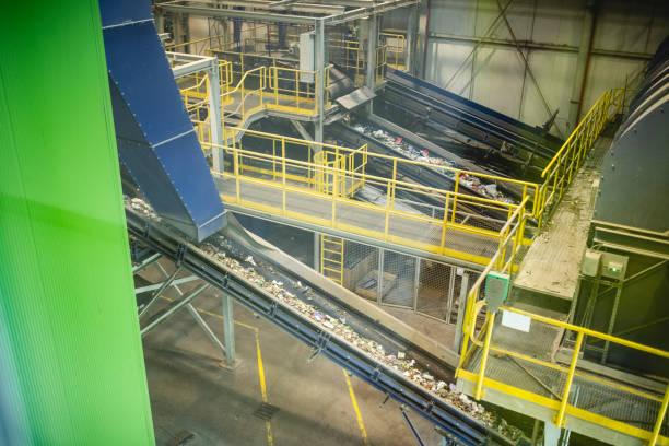 Interior of Waste Management Processing Facility:スマホ壁紙(壁紙.com)