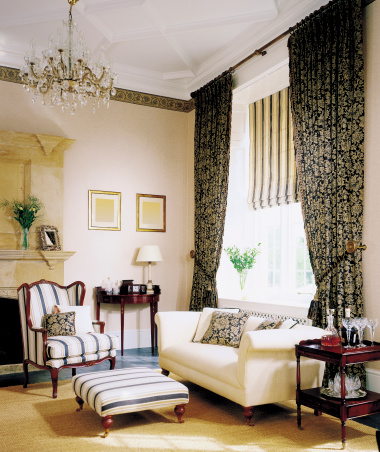 Classical Style「Interior of traditional Livingroom」:スマホ壁紙(13)