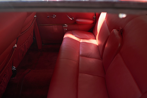Collector's Car「Interior of a vintage car, Adenauer Mercedes 300」:スマホ壁紙(16)