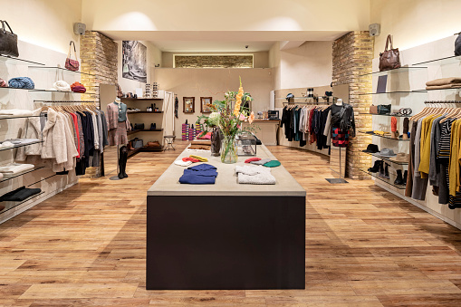 Store「Interior of a modern concept store, displaying fashion」:スマホ壁紙(5)