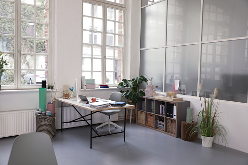Model Home「Interior of a business loft office」:スマホ壁紙(14)