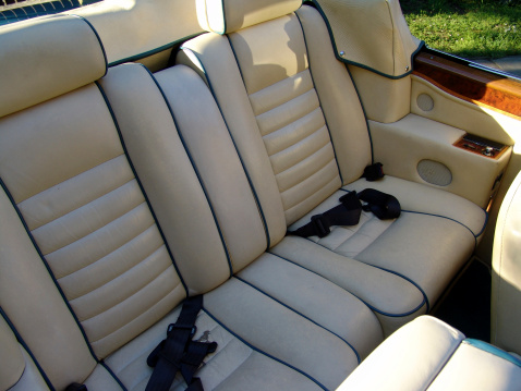 Seat「interior of a luxory car」:スマホ壁紙(18)