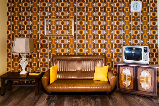 Retro「Interior of a vintage living room」:スマホ壁紙(4)