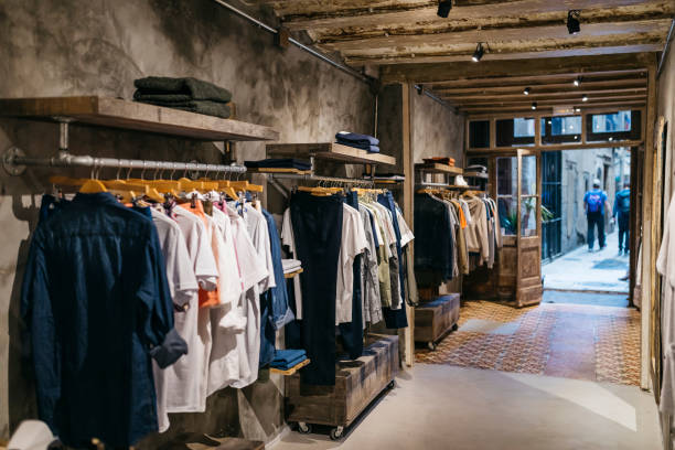 Interior of a modern menswear shop:スマホ壁紙(壁紙.com)
