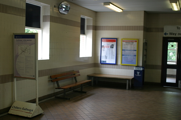 Finance and Economy「Interior of Acocks Green station」:写真・画像(17)[壁紙.com]