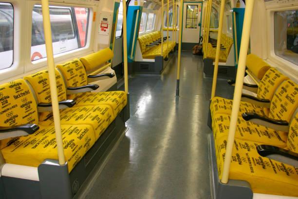 Interior of Back the Bid underground train for the London 2012 Olympic bid. November 2004:ニュース(壁紙.com)