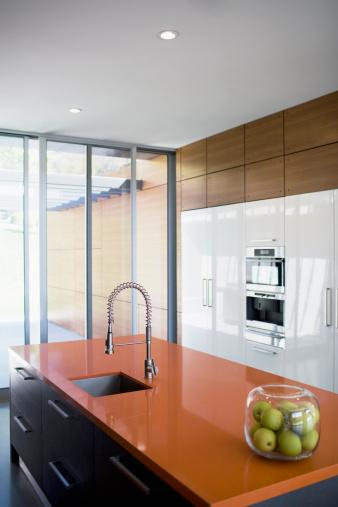 Spraying「Interior of modern kitchen」:スマホ壁紙(0)