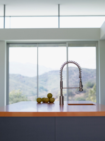Calabasas「Interior of modern kitchen with spray nozzle」:スマホ壁紙(11)