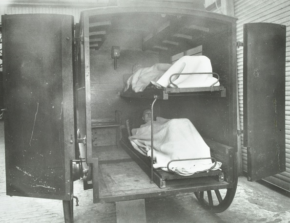 Simplicity「Interior Of A Horse Drawn Metropolitan Asylums Board Ambulance, London, 1939. .」:写真・画像(15)[壁紙.com]