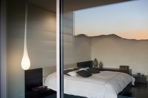 Calabasas「Interior of modern bedroom」:スマホ壁紙(16)