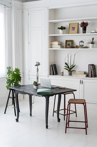Home Office「Interior of a modern coworking space」:スマホ壁紙(4)