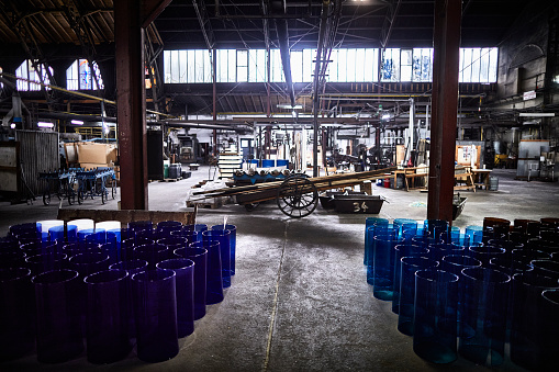 Glass Factory「Interior of a glass factory」:スマホ壁紙(6)