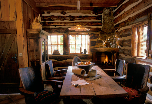 Gulf Coast States「interior of Texan log cabin」:スマホ壁紙(17)