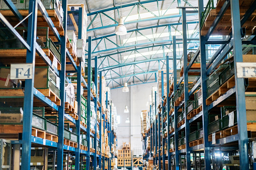 Buenos Aires「Interior of a large distribution warehouse」:スマホ壁紙(2)