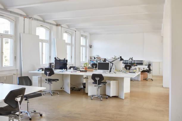 Interior of empty office:スマホ壁紙(壁紙.com)