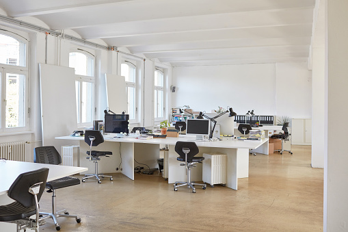 New Business「Interior of empty office」:スマホ壁紙(2)