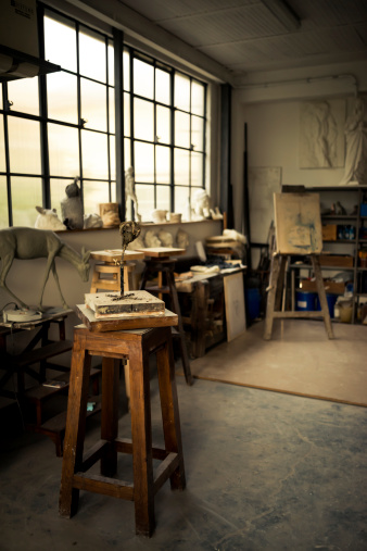 Artist「Interior of Studio Artist」:スマホ壁紙(3)