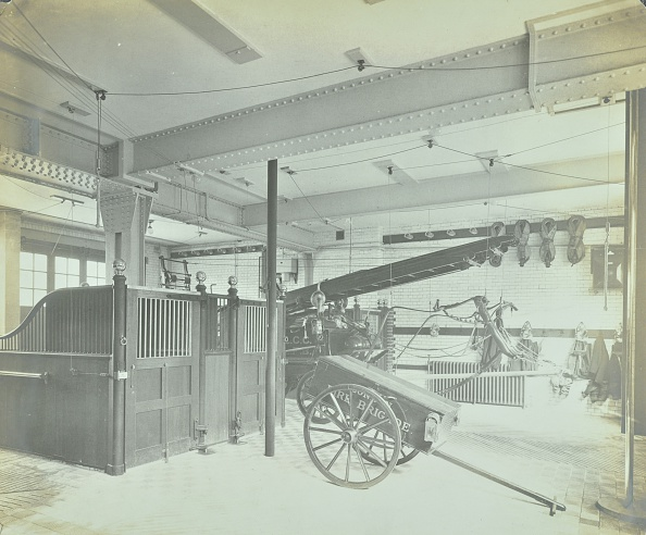 Agricultural Building「Interior Of Appliance Room, Northcote Road Fire Station, Battersea, London, 1906. Artist: Unknown.」:写真・画像(8)[壁紙.com]