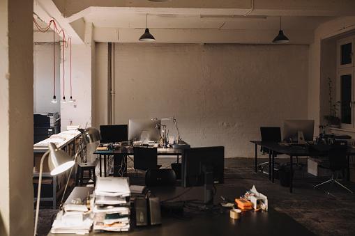 Small Office「Interior of a loft office」:スマホ壁紙(6)