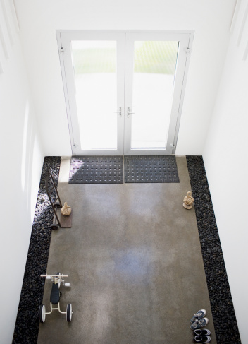 Doormat「Interior of modern house, entrance」:スマホ壁紙(18)