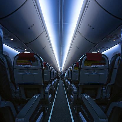 Airplane「Interior of an empty cabin on airplane」:スマホ壁紙(10)