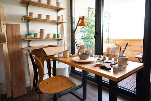 Workshop「Interior of a pottery studio」:スマホ壁紙(18)