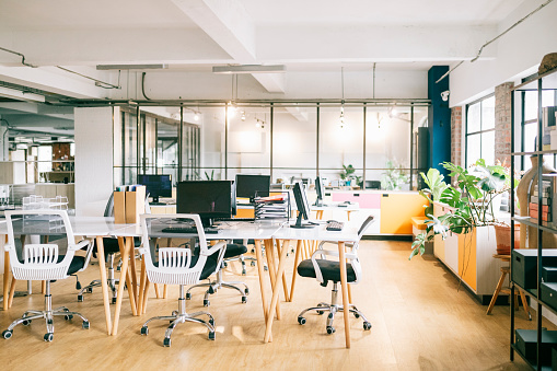 Small Office「Interior of open office space」:スマホ壁紙(3)