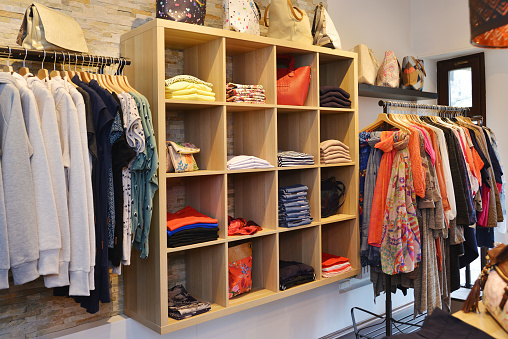 Womenswear「Interior of a store selling women's clothes and accessories」:スマホ壁紙(19)