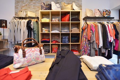Womenswear「Interior of a store selling women's clothes and accessories」:スマホ壁紙(14)