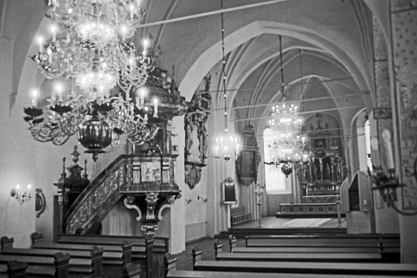 Bench「Interior Of The Holy Trinity Church」:写真・画像(3)[壁紙.com]