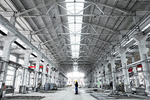 Airplane Hangar「interior of an industrial building」:スマホ壁紙(10)