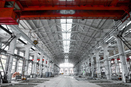 Airplane Hangar「interior of an industrial building」:スマホ壁紙(13)