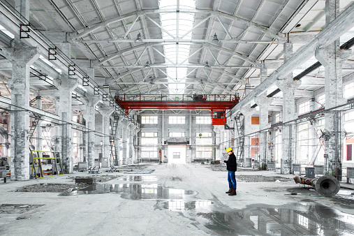 Plant「interior of an industrial building」:スマホ壁紙(16)