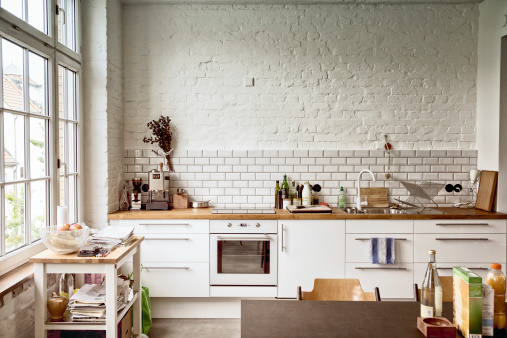 Domestic Kitchen「Sunny white European kitchen」:スマホ壁紙(9)