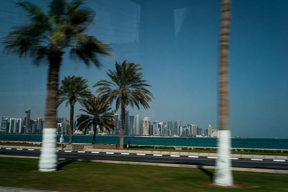 Two Lane Highway「Corniche road, Doha, Qatar.」:写真・画像(17)[壁紙.com]