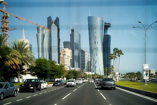 Two Lane Highway「Corniche road, Doha, Qatar.」:写真・画像(13)[壁紙.com]