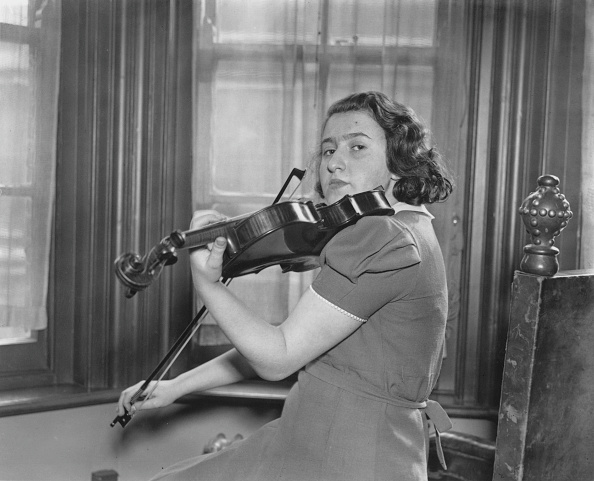 Violin「Ida Haendel」:写真・画像(1)[壁紙.com]