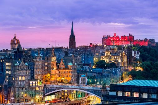 Scotland「Edinburgh skyline from Calton Hill at dusk」:スマホ壁紙(2)