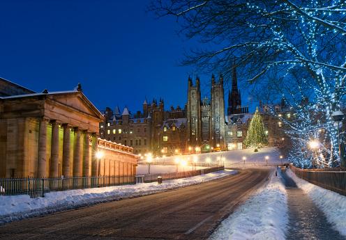 スコットランド文化「エジンバラの雪の塚」:スマホ壁紙(17)