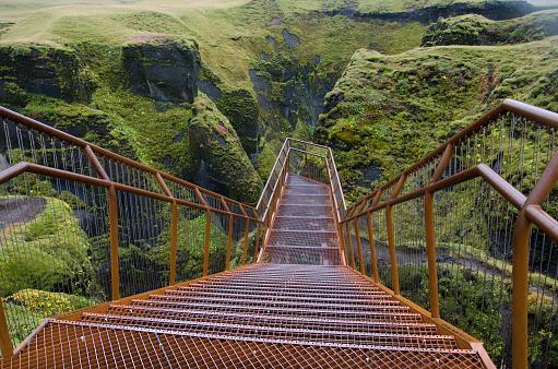 Steep「Fjadrargljufur Canyon  Staircase in Iceland」:スマホ壁紙(3)