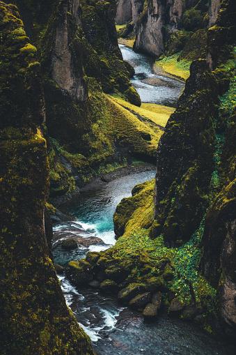 River「Fjadrargljufur Canyon In Iceland」:スマホ壁紙(11)