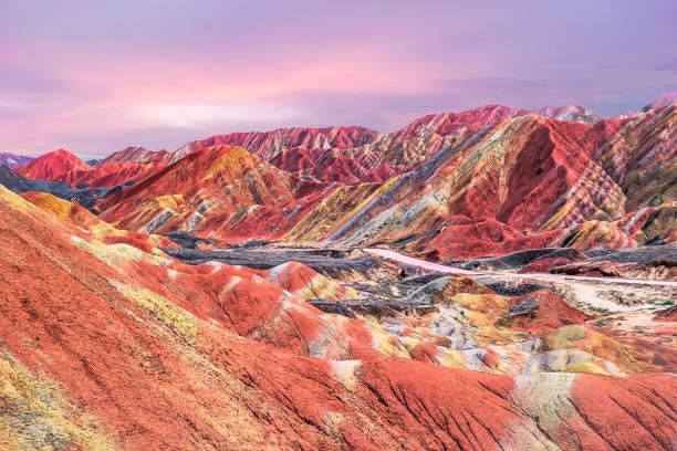 中国の虹山の夕日:スマホ壁紙(壁紙.com)