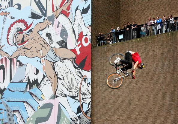 Street Art「Tate Modern Launch Street art Exhibition On Building Exterior」:写真・画像(7)[壁紙.com]