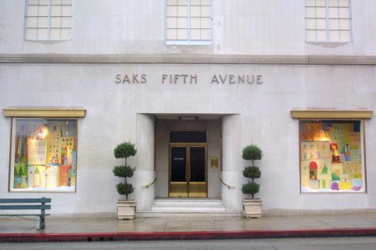 Saks Fifth Avenue「Winona Ryder Saks Fifth Avenue Store」:写真・画像(1)[壁紙.com]