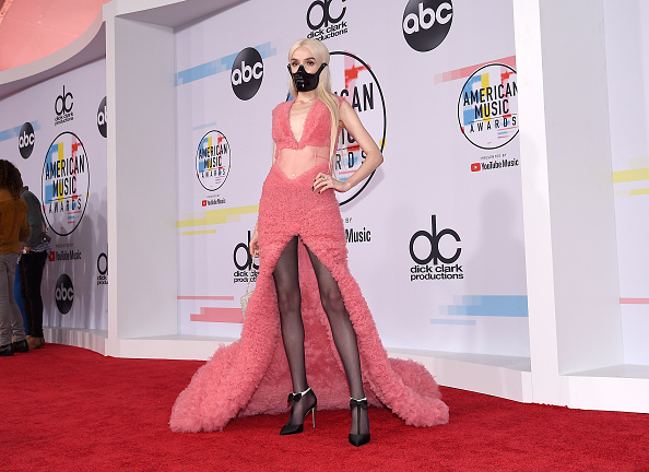 Poppy - Plant「2018 American Music Awards - Red Carpet」:写真・画像(10)[壁紙.com]