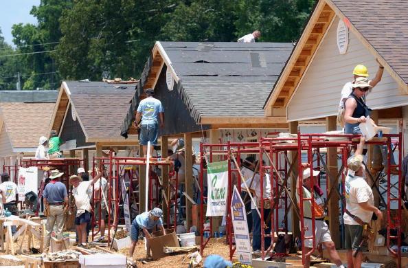 Volunteer「Former President Carter Works On Habitat For Humanity Homes」:写真・画像(10)[壁紙.com]